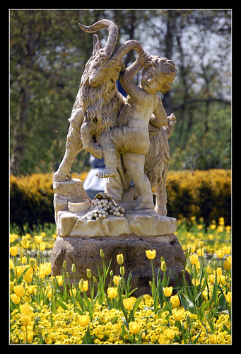 Waddesdon Park: Statue | by --CWH--