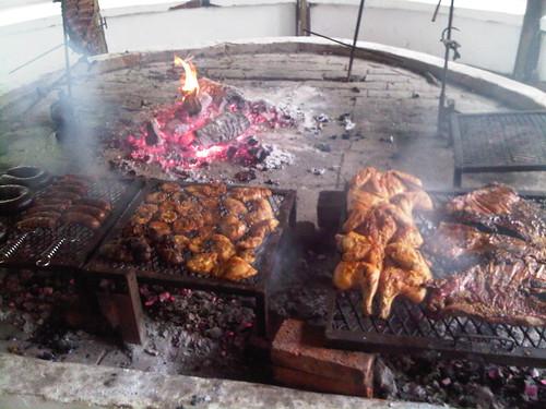 barbecue argentin voici quoi ressemble un barbecue argen flickr. Black Bedroom Furniture Sets. Home Design Ideas