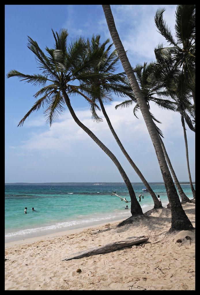 Playa Blanca, Cerca De Cartagena, Colombia...