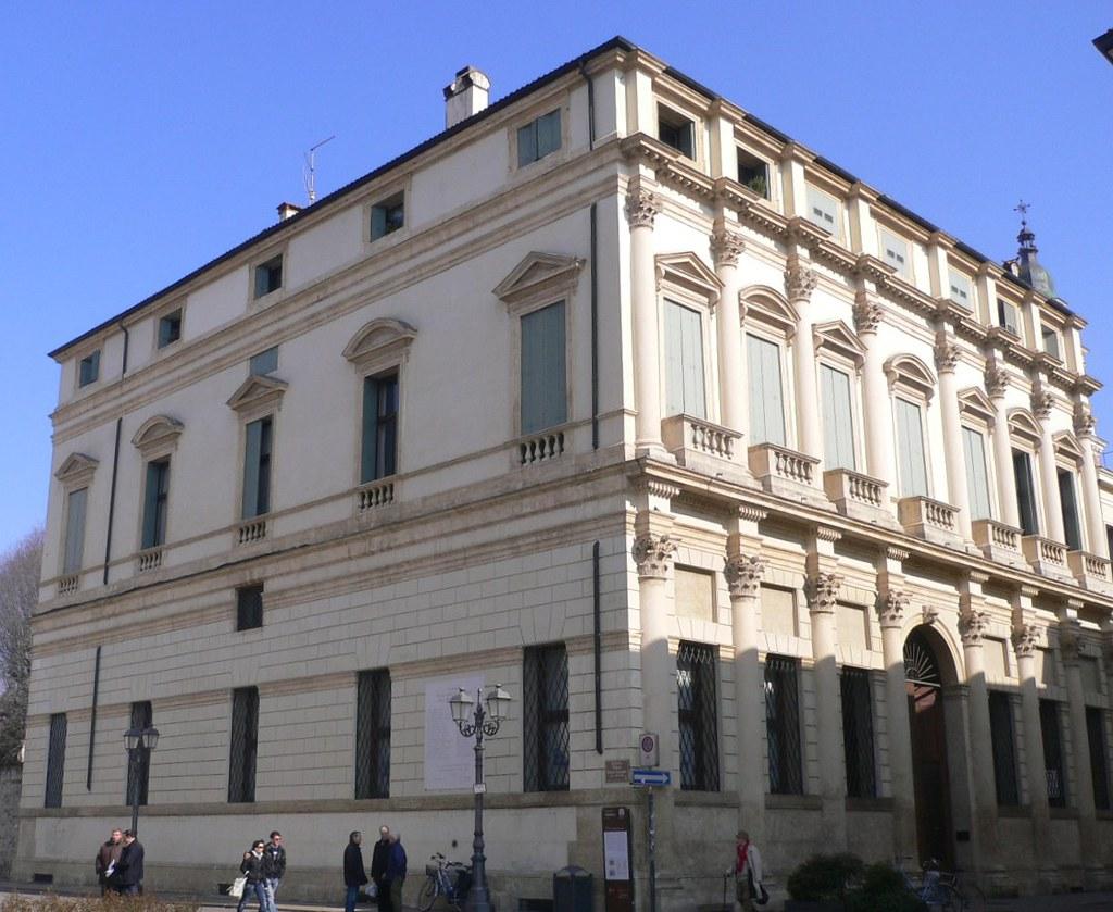 Vicenza palazzo thiene 1600 il palazzo di francesco for C b arredamenti thiene