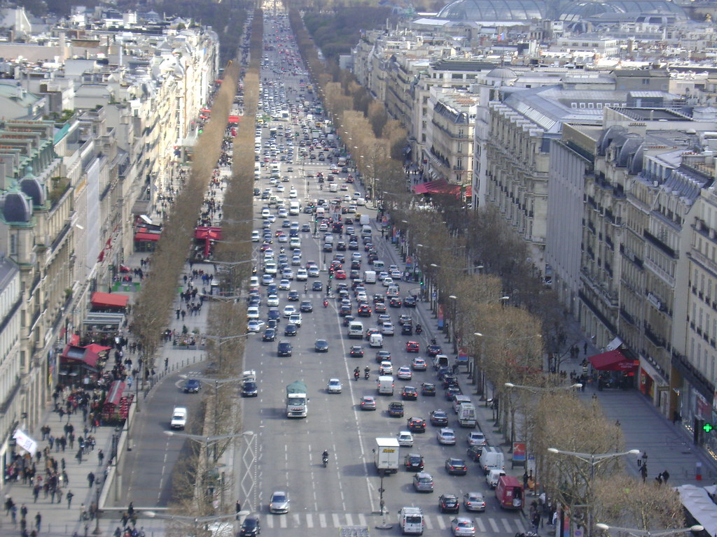 Very Busy Paris Streets The Surrounding View Of Paris