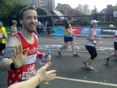 Mile 22 of the London Marathon, courtesy of Andy P | by minor9th