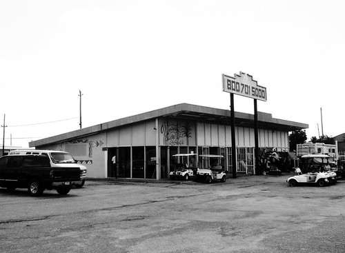 The Ritzee (formerly), College Avenue, South Houston, Texas 0604101150BW | by Patrick Feller