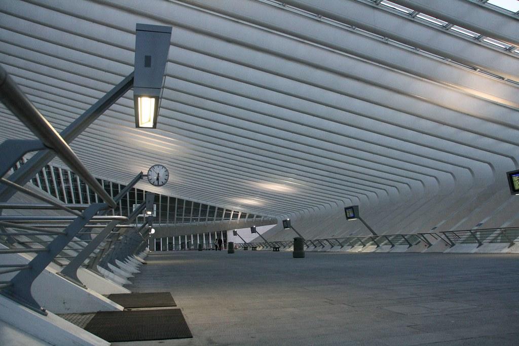 Belgique li ge les guillemins gare europe europa - La residence eb par replinger hossner architects ...