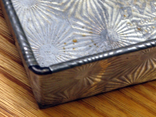 Ovenex Ecko Loaf Tin Pan With Starburst Pattern This Is