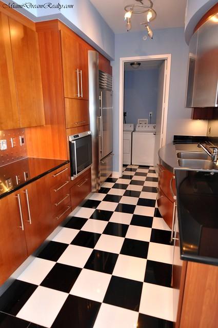 Checkered Floors In Kitchen