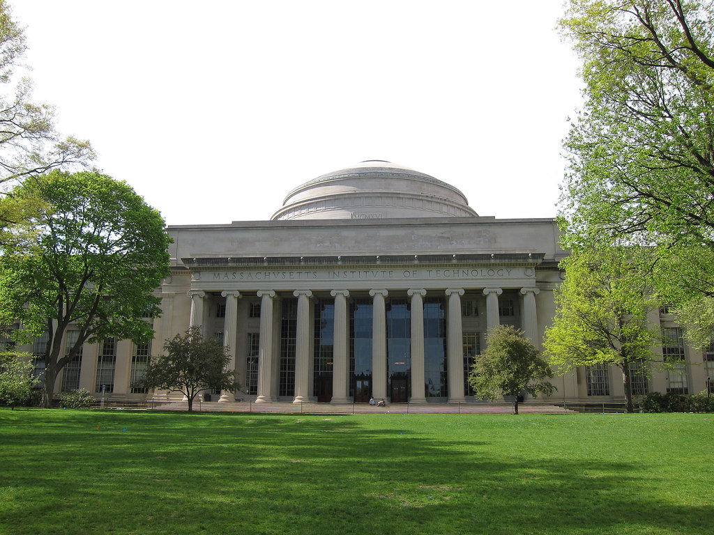 MIT Building 10 & The Great Dome