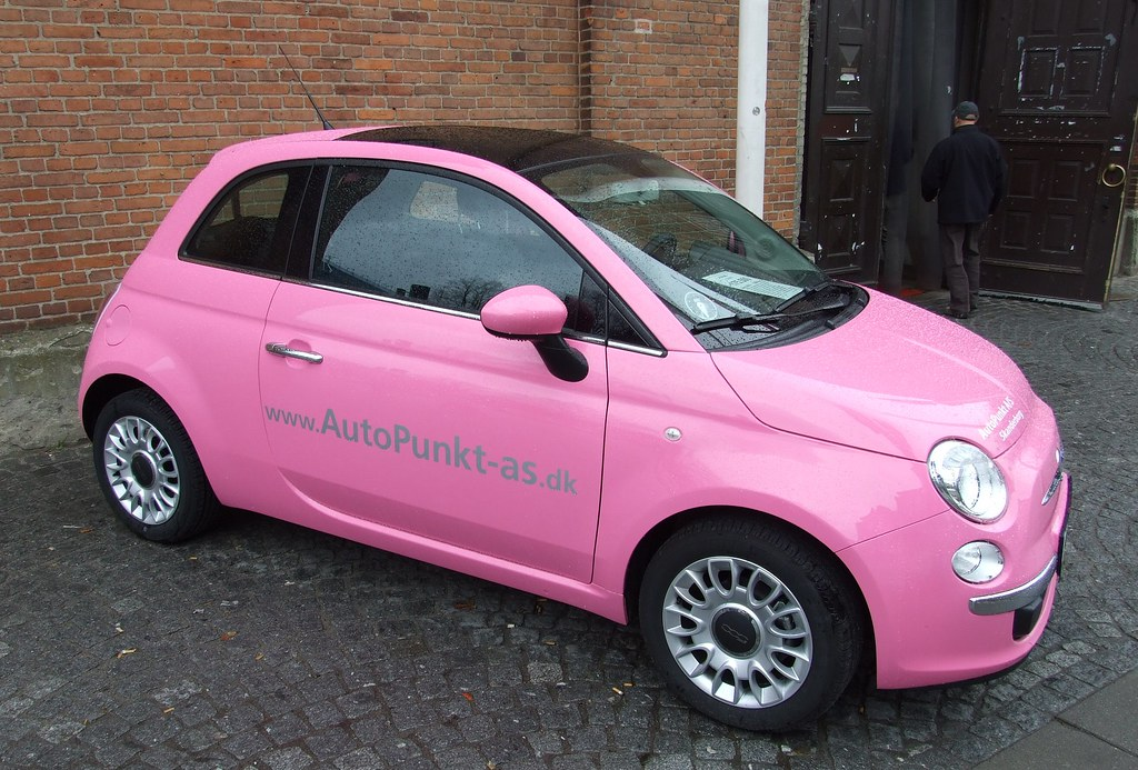 fiat 500 barbie edition this fiat 500 is one of a. Black Bedroom Furniture Sets. Home Design Ideas