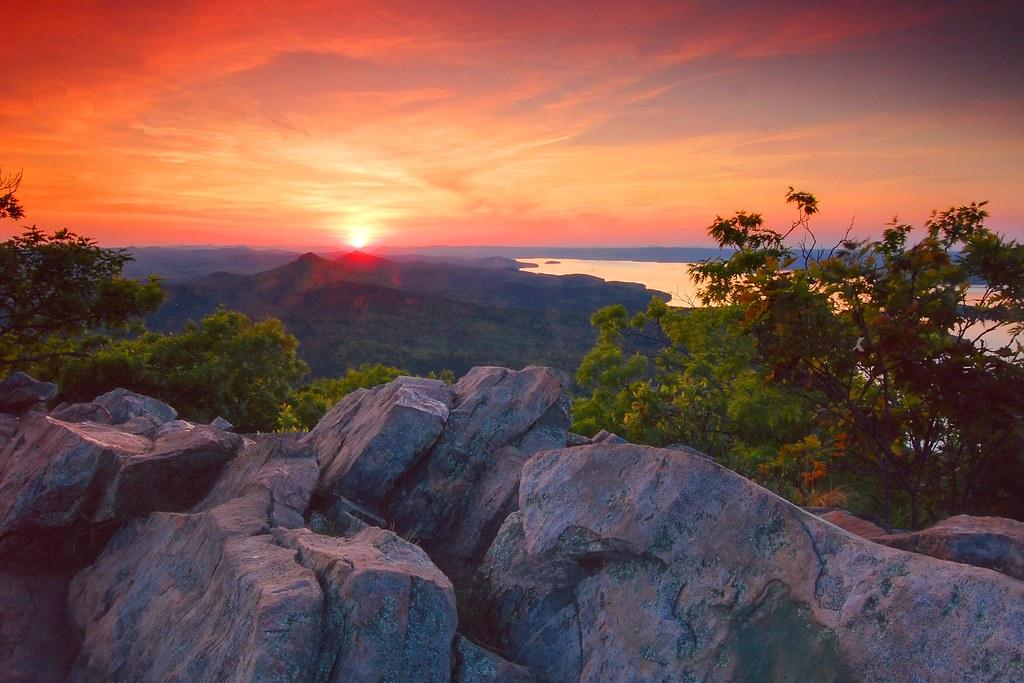 Pinnacle Mountain Sunset Overlooking Lake Maumelle Flickr