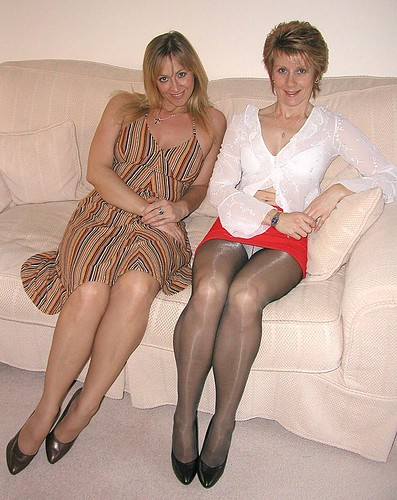 Pantyhose mature pictures