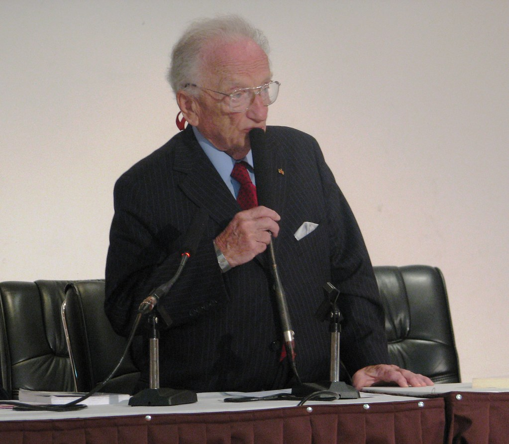 benjamin b ferencz essay competition Home our blogs facing today asking big questions with the 2017 student essay contest asking big questions with the 2017 student essay benjamin b ferencz (3.
