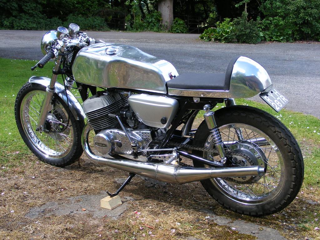 A B on 1977 Suzuki Gs750