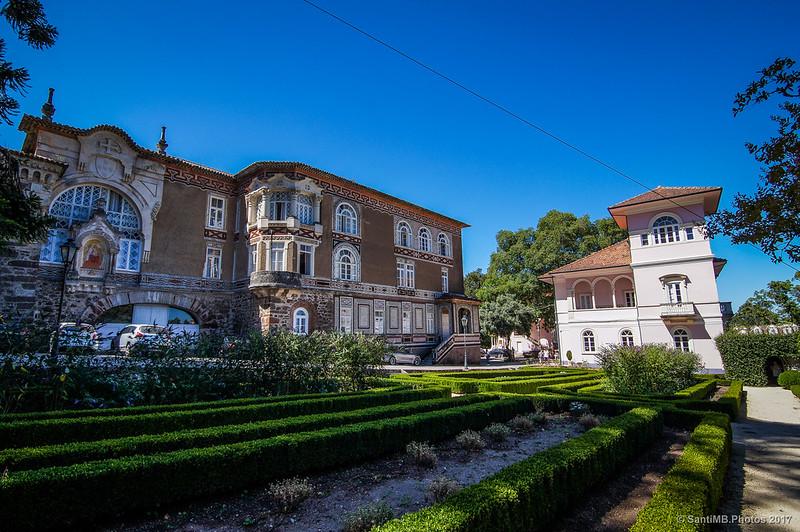 Jardín frente al hotel Palace do Buçaco