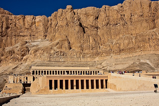 Hatshepsut temple in the Valley of the Kings | by risastla