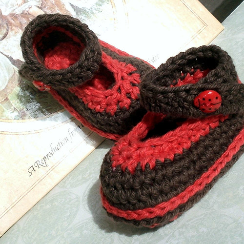 Ladybugs Wee Shoes baby booties | by Genevive_Too