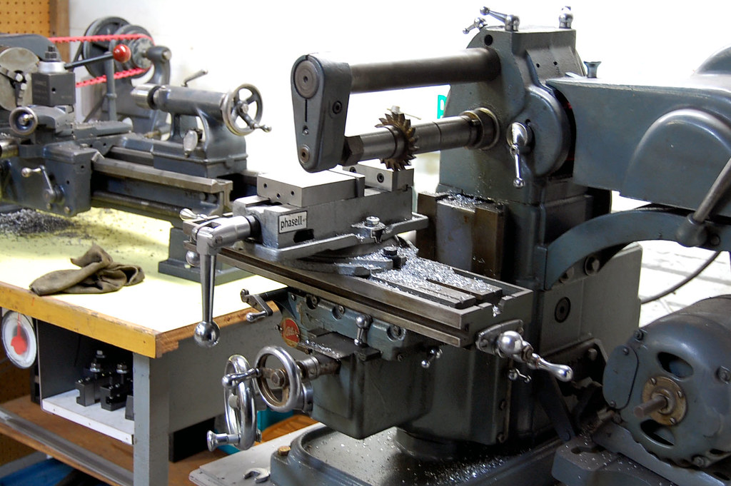 Atlas Mfc Mill And Logan 9 Quot Lathe Both Under 1k And