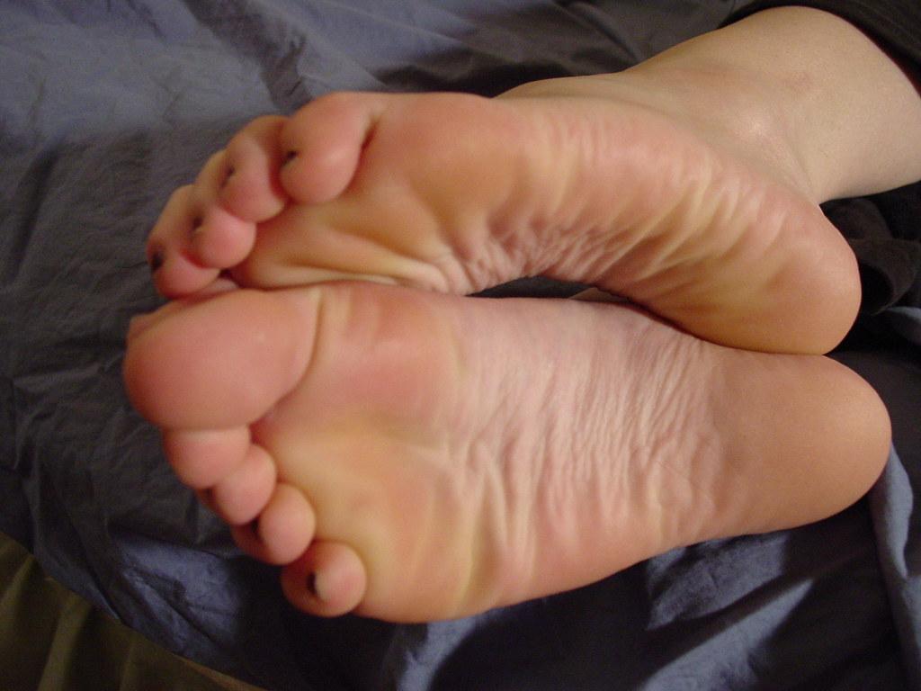 Nylon feet cum
