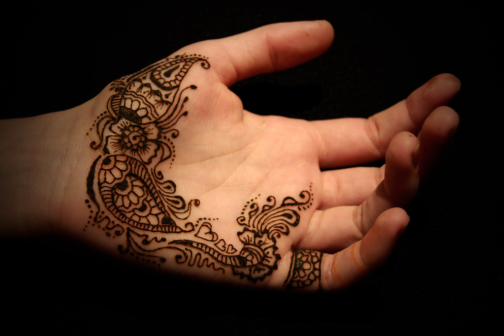 Henna World: ...struggling To Find A Photo Until I