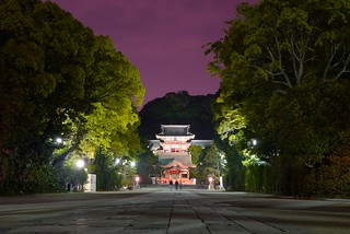 Hachimangu at night | by julesberry2001