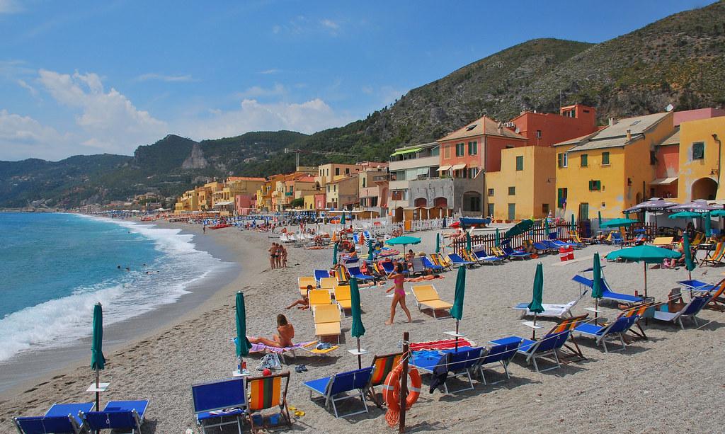 Matrimonio Spiaggia Varigotti : Riviera delle palme varigotti sv spiaggia di