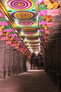 prehistoric pop art in Madurai temple | by marinfinito