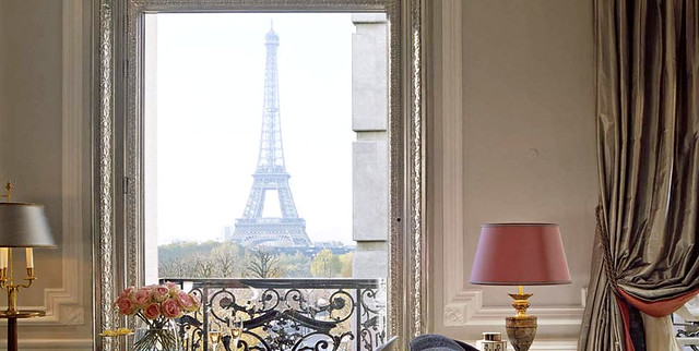 Splendid view of the eiffel tower from your bedroom of the for Best view of eiffel tower from hotel room