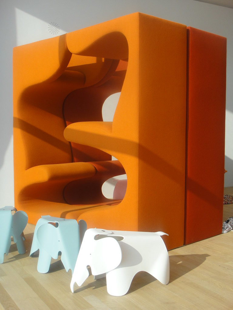 vitrahaus living tower verner panton 1969 at the. Black Bedroom Furniture Sets. Home Design Ideas