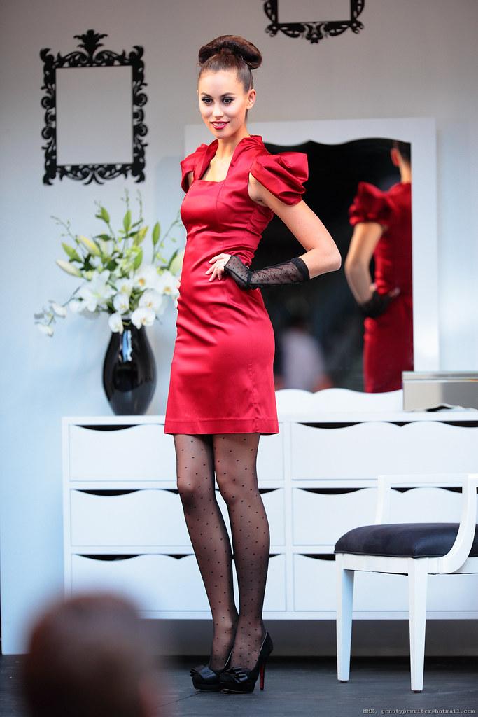 Dizingof Fashion Doll House Qv L Oreal Melbourne Fas Flickr
