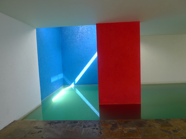 Luis Barragan S Casa Gilardi Dining Room And Swimming