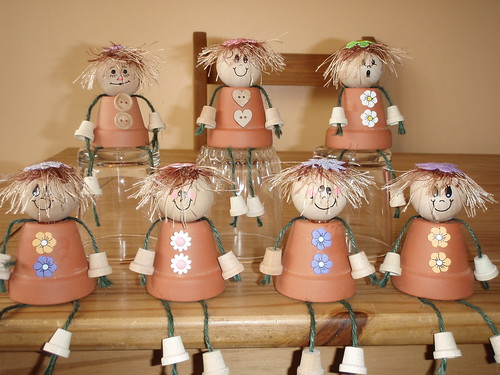 Plant Pot Ladies | Made from terracotta pots. Wooden head ...