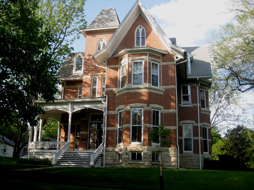 Striped brick mansion in mount vernon american gothic for Victorian home builders
