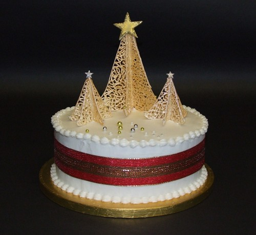 Christmas Tree Cake Royal-iced Christmas cake (according ...