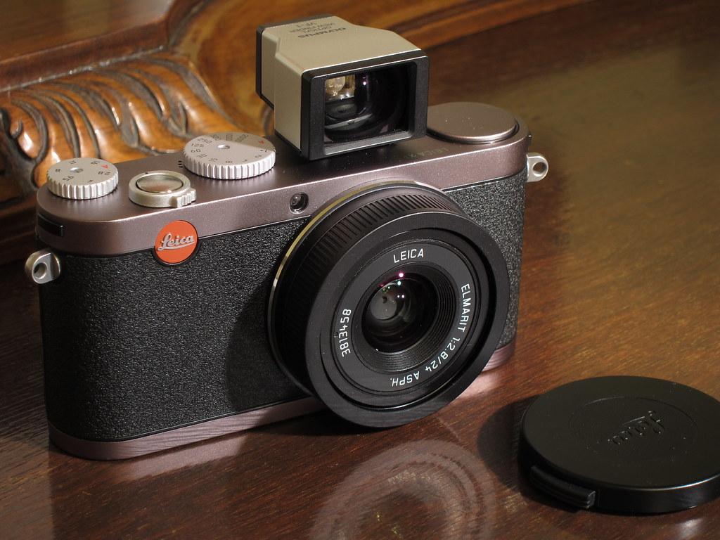 Leica X1 + Optical View Finder (Olympus VF-1)