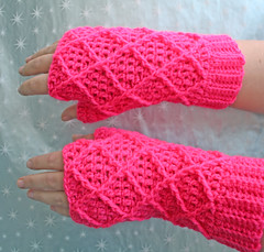 Luminous Pink Diamond Fingerless Gloves | by tsukismama