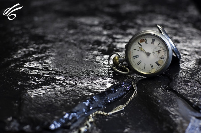 the broken pocket watch | © All rights reserved. Use ...