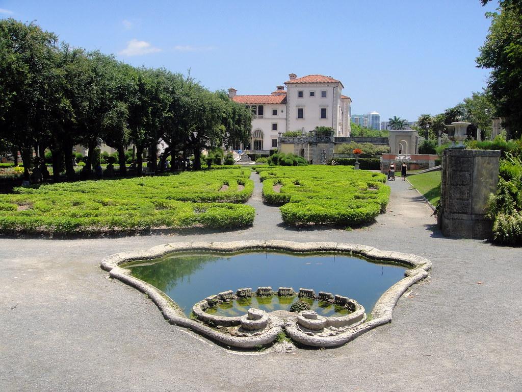 Vizcaya Fountain, Gardens & Villa