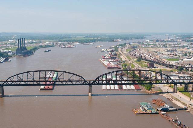 MacArthur Bridge St. Louis