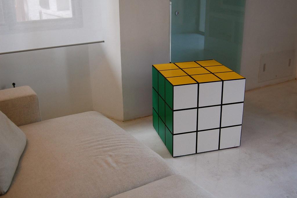 Rubik cube mobile di design un mobile che si ispira al for Mobile di design