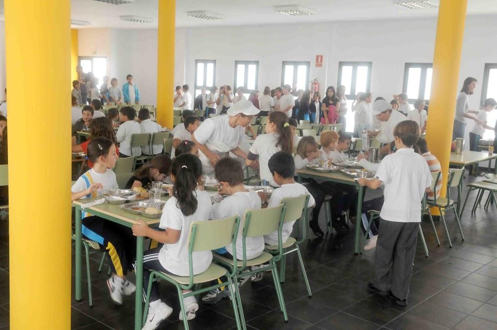 El comedor escolar del ceip playa honda abri sus puertas for Proyecto educativo de comedor escolar