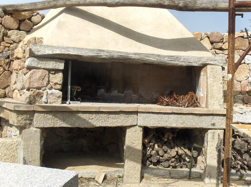 Camino esterno camino esterno in granito l 39 et della pietra perdaxius ci flickr - Caminetto per esterno ...