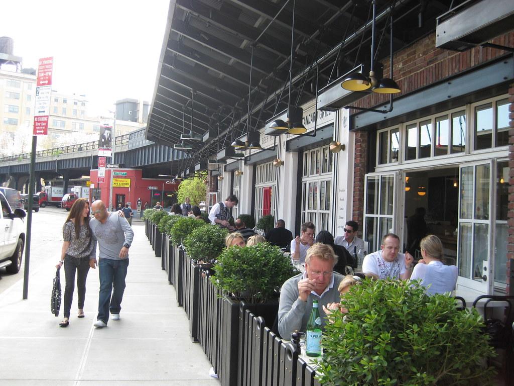 Outdoor cafe, NYC | La Citta Vita | Flickr