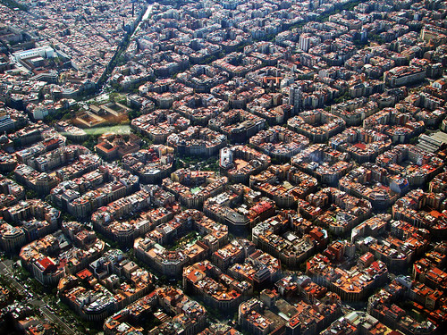 BCN from a very low alt, nice visual approach (2) | by LTCE