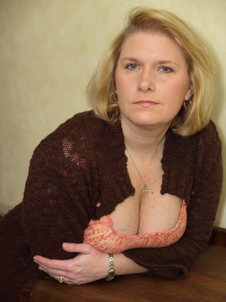 Attractive mature english lady with perfect tits 9