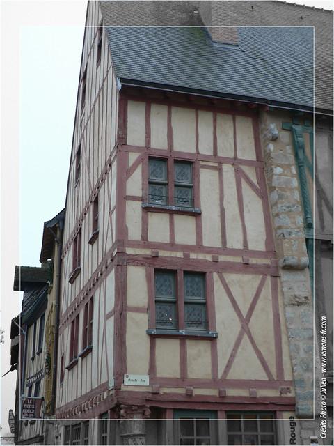 Maison pan de bois maison pan de bois dans le vieux - Du bois dans ma maison ...