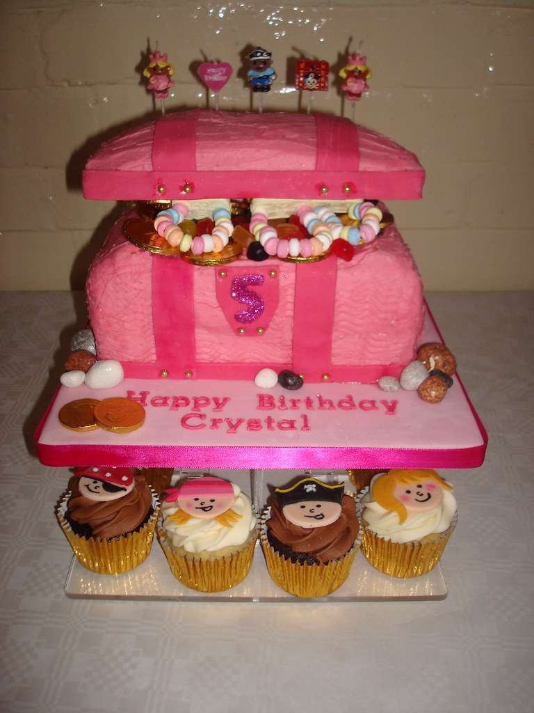 Princess Amp Pirate Cupcakes With Pink Treasure Chest Cake