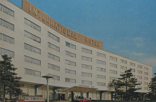 Vintage postcard photo 1960s international hotel john f ke for Hotels near jf kennedy airport