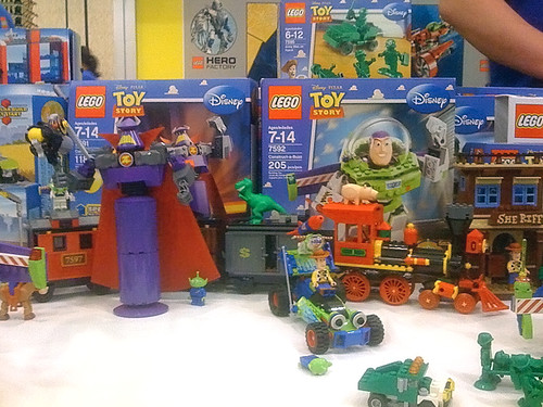 New Toy Story 3 Train : Upcoming toy story lego set the train j