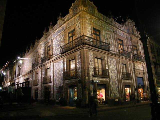 Casa de los azulejos sanborn 39 s en madero casi esquina for Sanborns orizaba