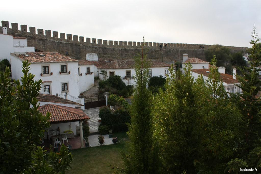 Maisons adossées aux murailles