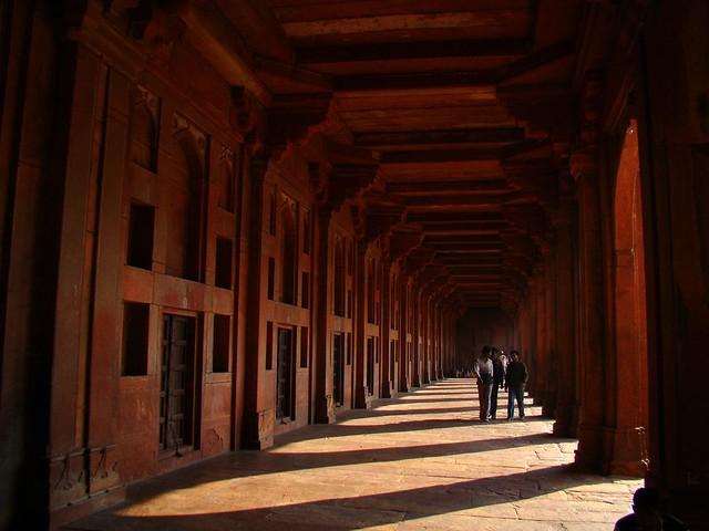 essay on fatehpur sikri in english